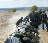 Защита берегов от водной стихии — оперативное возведение дамбы